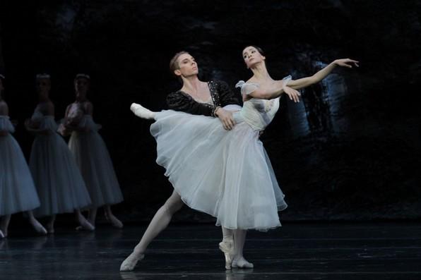 Дуэт из балета «Жизель» в исполнении солистов Московской труппы.