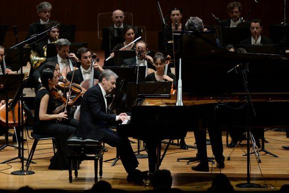 Выступают Филипп Бьянсон и Филармонический оркестр Монте-Карло