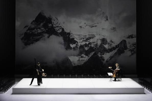 Сценическое воплощение оперной увертюры