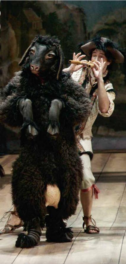 Коза и пастушок в первой картине спектакля