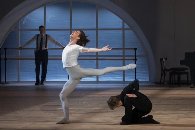 В.Лантратов и Д.Савин в дуэте из балета «Нуреев»