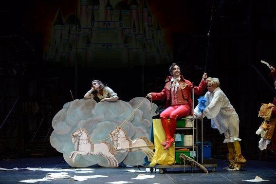Золушка (М.Лозье), принц (К.Дюбуа), Дандини (Н.Борчев) и карета