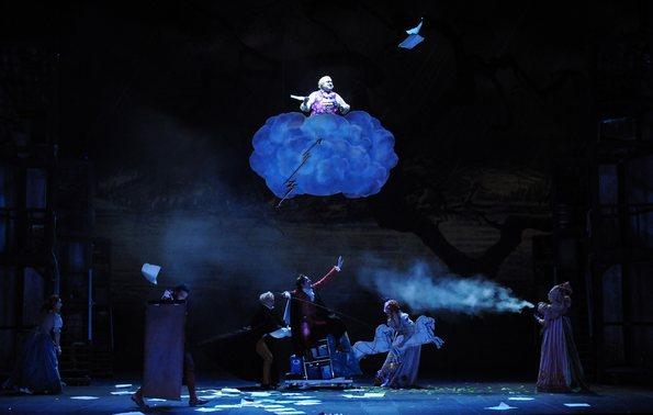 Сцена бури во втором акте спектакля