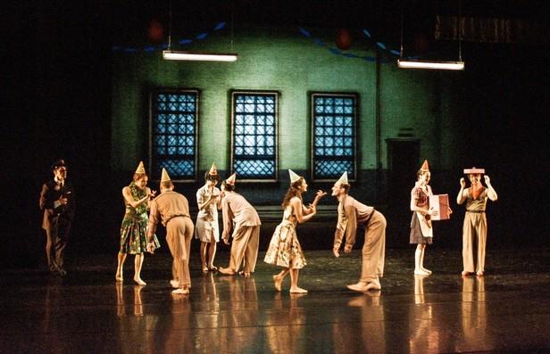 Фрагмент балета Джеймса Сивелла «Titicut Follies».