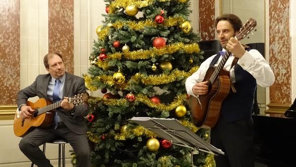 Константин Волков и Виктор Коротич исполняют «Малиновый звон»